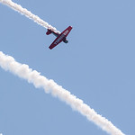 Stunt plane flies inverted at Chicago Air and Water Show